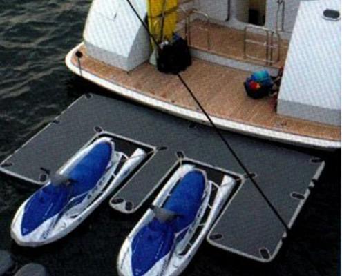 aere-yetski-dock-platform-inflatable-opblaasbare-steiger-superyacht-supplier-2